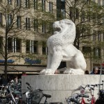 Statue near National Monument (Dam Square)