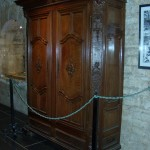 Crypt Museum (Armoire)